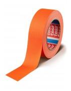 Tesa 4671 highlite tape, selvlysende tape, som også kaldes fluorescenrende tape, eller glow tape.
